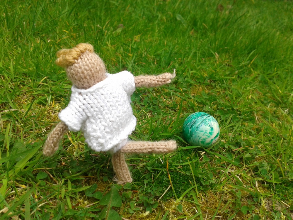 Leah williamson penalty, the knitted footballer